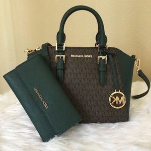 New Michael Kors Ciara messenger bag & wallet